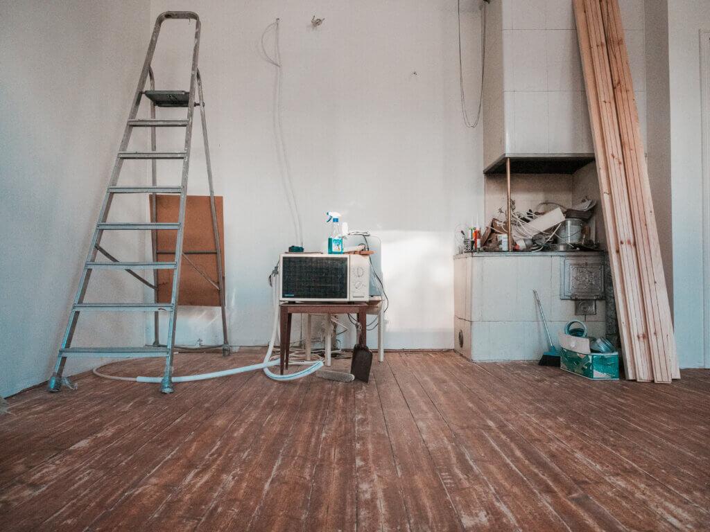 hellahuone remontti, asuinkäyttöön